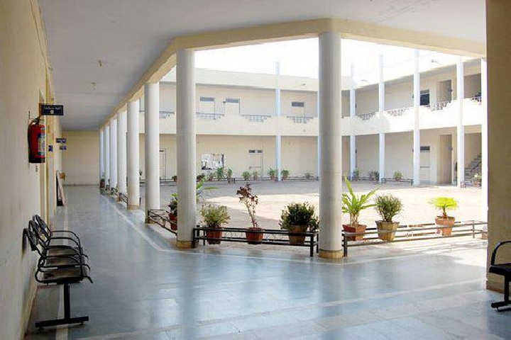 https://cache.careers360.mobi/media/colleges/social-media/media-gallery/5383/2019/5/28/College Building View of Prestige Institute of Management Gwalior_Campus-View.jpg