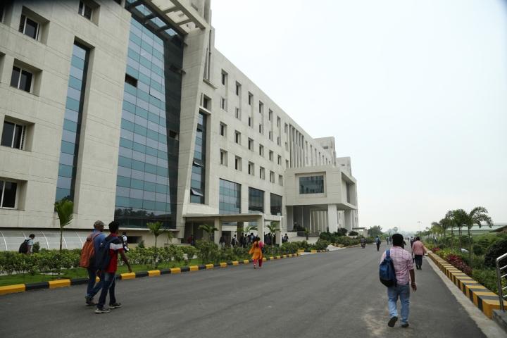 https://cache.careers360.mobi/media/colleges/social-media/media-gallery/5385/2018/7/23/GITAM-Hyderabad-Business-School-Hyderabad-Campus3.jpg