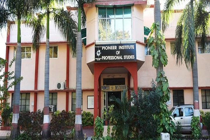 https://cache.careers360.mobi/media/colleges/social-media/media-gallery/5393/2018/10/10/College Building View of Pioneer Institute of Professional Studies Indore_Campus-View.jpg
