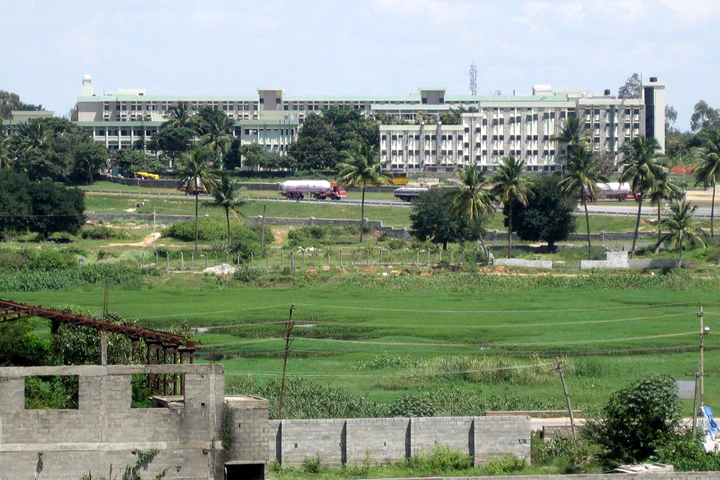 https://cache.careers360.mobi/media/colleges/social-media/media-gallery/5438/2019/1/18/Campus View of T John College Bangalore_Campus-View.jpg