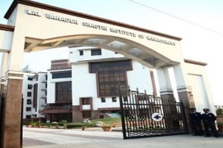 https://cache.careers360.mobi/media/colleges/social-media/media-gallery/5491/2018/7/25/Lal-Bahadur-Shastri-Institute-of-Management-Delhi001.jpg
