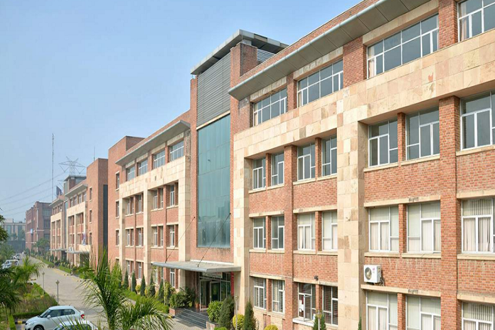https://cache.careers360.mobi/media/colleges/social-media/media-gallery/5583/2018/12/22/Campus View of Mangalmay Group of Institutions Greater Noida_Campus-View.png