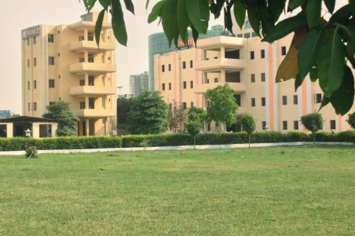 https://cache.careers360.mobi/media/colleges/social-media/media-gallery/5584/2018/11/19/Campus View of National Institute of Management and Technology Greater Noida_Campus-View.jpg