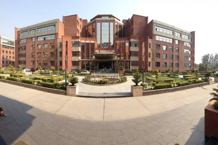 https://cache.careers360.mobi/media/colleges/social-media/media-gallery/5606/2018/8/4/Amity-Business-School-Noida01.jpg