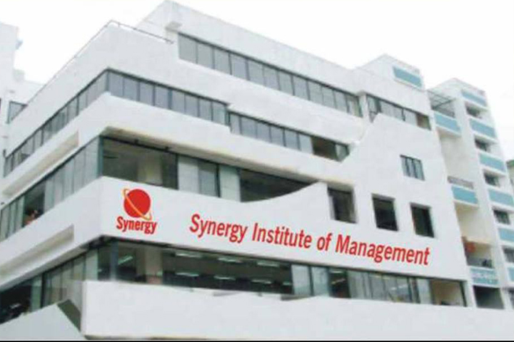 https://cache.careers360.mobi/media/colleges/social-media/media-gallery/5612/2018/11/23/College Building View of Synergy Institute of Management Pune_Campus-View.jpg