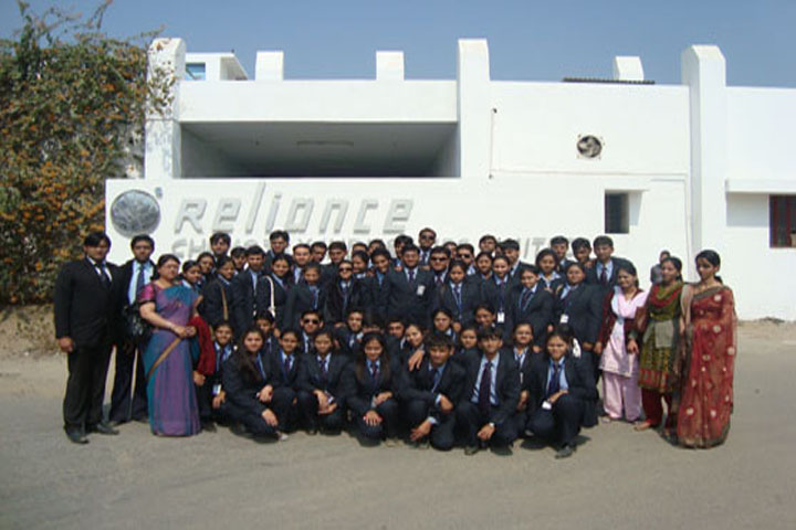 https://cache.careers360.mobi/media/colleges/social-media/media-gallery/5639/2017/12/13/7283-Maharaja-College-of-Management-Udaipur-(18).jpg