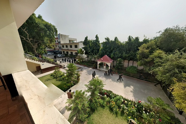 https://cache.careers360.mobi/media/colleges/social-media/media-gallery/5647/2020/9/23/Inside Campus of Dayanand Academy of Management Studies Kanpur_Campus-View.jpg