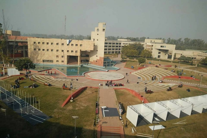 https://cache.careers360.mobi/media/colleges/social-media/media-gallery/5678/2018/8/10/Delhi-School-of-Management-Delhi-Technological-University-Delhi01.jpg