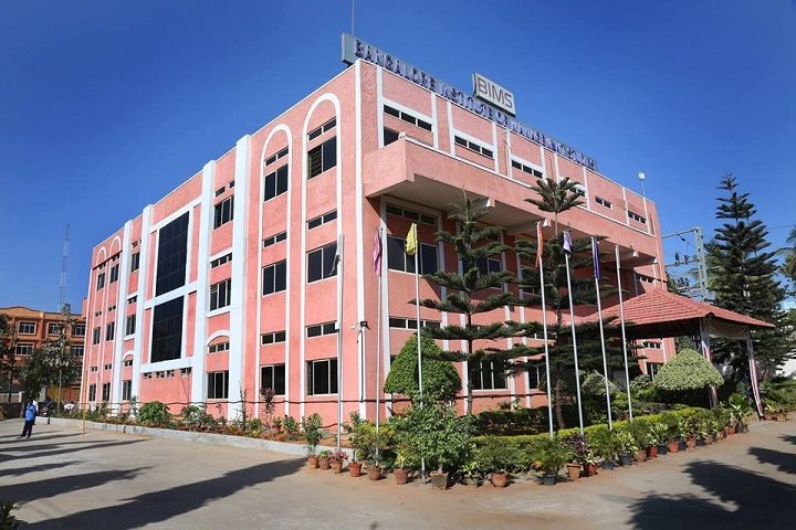 https://cache.careers360.mobi/media/colleges/social-media/media-gallery/5686/2019/6/10/College Building View of Bangalore Institute of Management Studies Bangalore_Campus-View.jpg