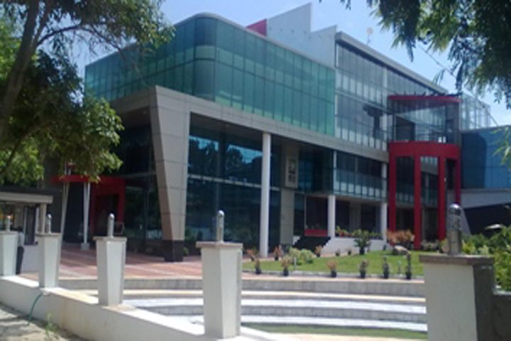 https://cache.careers360.mobi/media/colleges/social-media/media-gallery/5693/2018/11/13/College Building View of ISBR Business School Bangalore_Campus-View.PNG