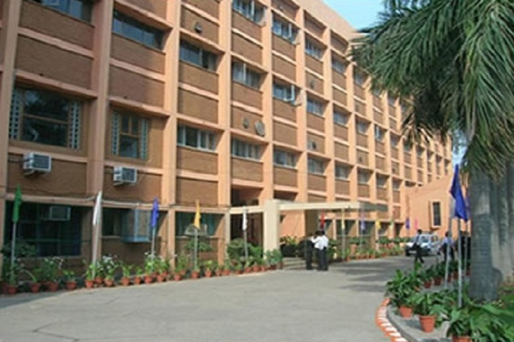 https://cache.careers360.mobi/media/colleges/social-media/media-gallery/5705/2019/6/28/Campus view of Institute of Hotel Management Catering and Nutrition Pusa New Delhi_Campus-View.jpg