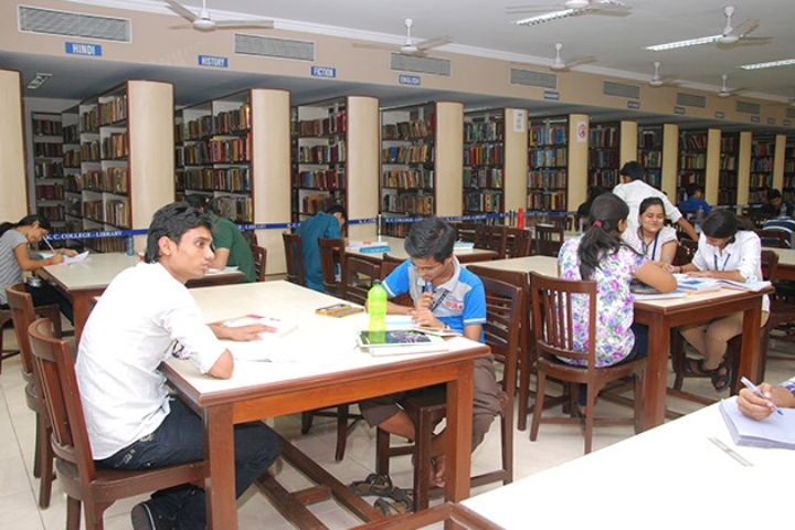 https://cache.careers360.mobi/media/colleges/social-media/media-gallery/5731/2018/9/18/Library Sitting area of Kishinchand Chellaram College, Mumbai_Library.JPG