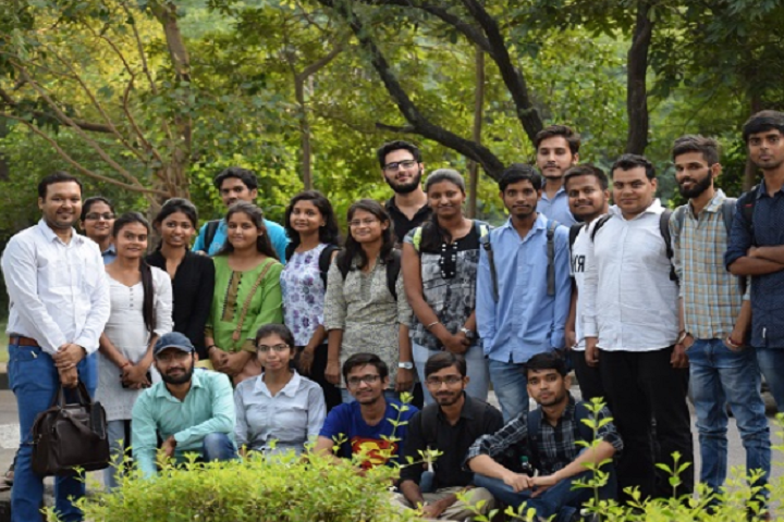 https://cache.careers360.mobi/media/colleges/social-media/media-gallery/5799/2019/1/18/Group Photo of Department of Computer Science University of Delhi Delhi_Others.png