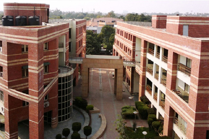 https://cache.careers360.mobi/media/colleges/social-media/media-gallery/5799/2020/3/6/Campus view of Department of Computer Science University of Delhi Delhi_Campus-view.jpg
