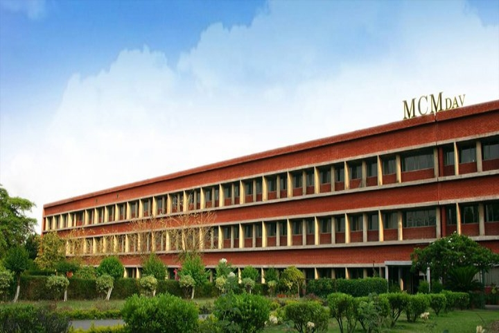 https://cache.careers360.mobi/media/colleges/social-media/media-gallery/5810/2020/3/9/College Building View of MCM DAV College for Women Chandigarh_Campus-View.jpg