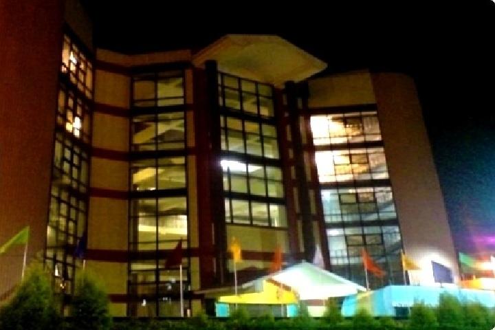 https://cache.careers360.mobi/media/colleges/social-media/media-gallery/5862/2018/8/2/R.G-Kar-Medical-College-and-Hospital-Kolkata-(4).jpg