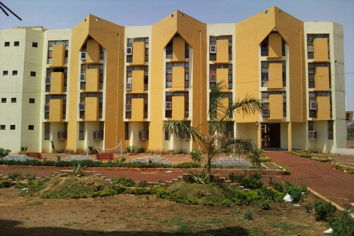 https://cache.careers360.mobi/media/colleges/social-media/media-gallery/5975/2018/12/17/Campus View of Maitri College of Dentistry and Research Centrer Anjora_Campus-view.jpg