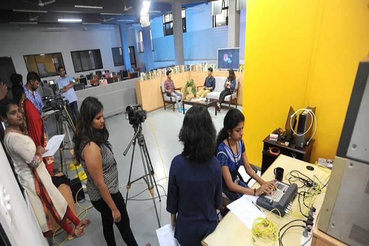 https://cache.careers360.mobi/media/colleges/social-media/media-gallery/599/2018/12/22/Video Studio of Manorama School of Communication Kottayam_Others.jpg