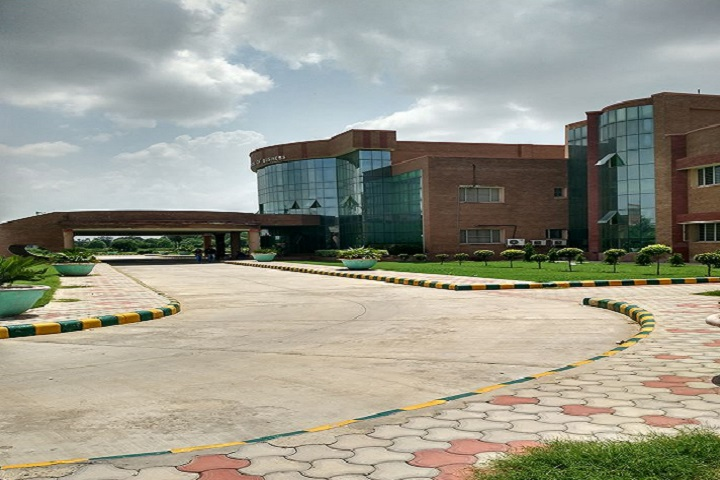 https://cache.careers360.mobi/media/colleges/social-media/media-gallery/6097/2018/11/22/Campus-View of Haryana School of Business, Hisar_Campus-View.jpg