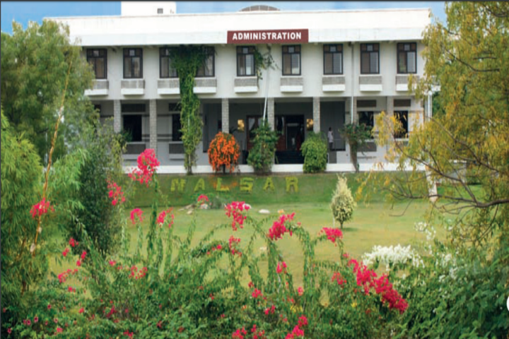 https://cache.careers360.mobi/media/colleges/social-media/media-gallery/610/2018/9/13/Administration Block of NALSAR University of Law Hyderabad_Campus-View.png