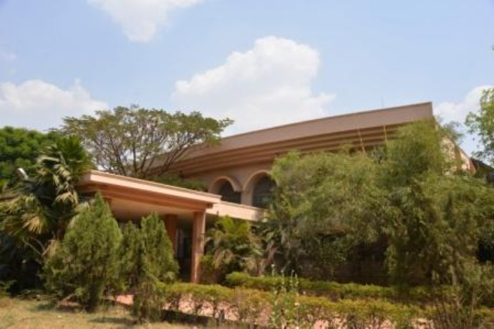 https://cache.careers360.mobi/media/colleges/social-media/media-gallery/6159/2017/11/2/Government-Dental-College-and-Research-Institute-Bellary2.JPG