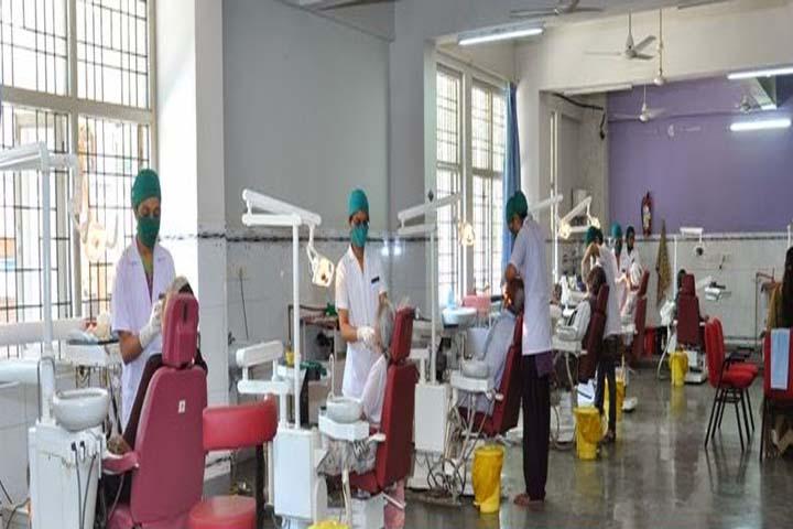 https://cache.careers360.mobi/media/colleges/social-media/media-gallery/6160/2017/11/2/46234Government-Dental-College-and-Hospital-Jamnagar-(15).JPG