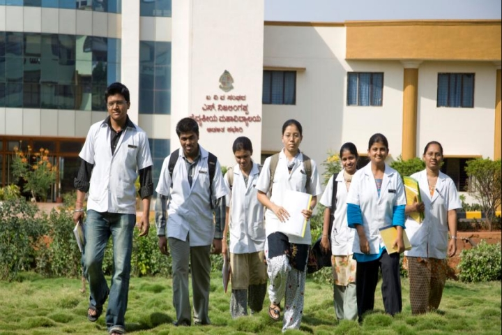 https://cache.careers360.mobi/media/colleges/social-media/media-gallery/6291/2018/8/22/S-Nijalingappa-Medical-College-and-HSK-Hospital-and-Research-Centre-Navanagar-Campus2.jpg