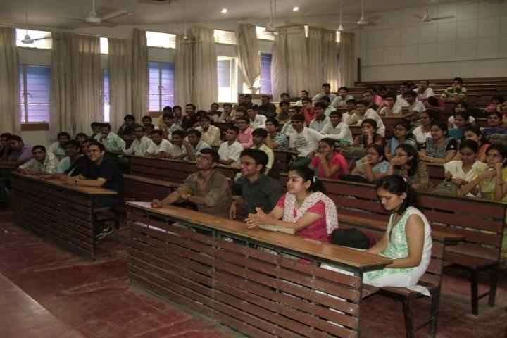 https://cache.careers360.mobi/media/colleges/social-media/media-gallery/6349/2017/9/11/Pramukhswami-Medical-College-Karamsad15.jpg