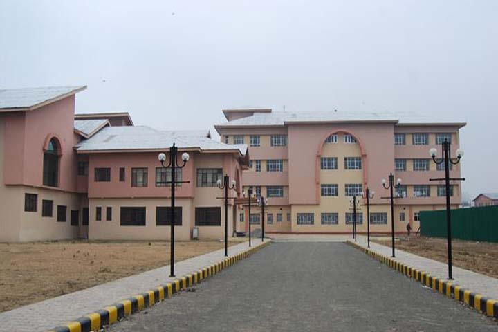 https://cache.careers360.mobi/media/colleges/social-media/media-gallery/6359/2017/11/20/47601Government-Dental-College-Srinagar-(9).JPG