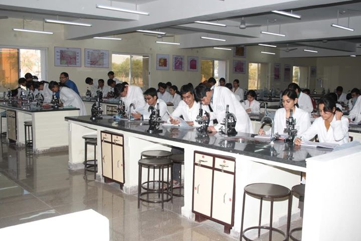 https://cache.careers360.mobi/media/colleges/social-media/media-gallery/6402/2017/10/24/47885-Chirayu-Medical-College-and-Hospital-Bhainsakhedi-(16).jpg