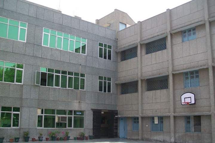 https://cache.careers360.mobi/media/colleges/social-media/media-gallery/6429/2020/9/25/Campus View of Sri Guru Tegh Bahadur Institute of Management and Information Technology Delhi_Campus-View.jpg