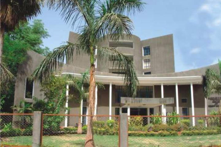 https://cache.careers360.mobi/media/colleges/social-media/media-gallery/6469/2018/12/1/Campus View of RN Patel Ipcowala School of Law and Justice Anand_Campus-View.jpg