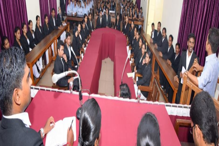 https://cache.careers360.mobi/media/colleges/social-media/media-gallery/6472/2018/8/16/Vaikunta-Baliga-College-of-Law-Udupi_Moot-court.jpg