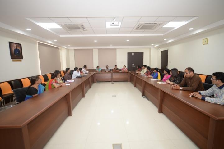 https://cache.careers360.mobi/media/colleges/social-media/media-gallery/6478/2018/8/3/Symbiosis-Law-School-Pune-Campus4.jpg