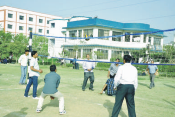https://cache.careers360.mobi/media/colleges/social-media/media-gallery/6519/2018/11/21/Outdoor Games of HR Institute of Hotel Management Ghaziabad_Sports.png