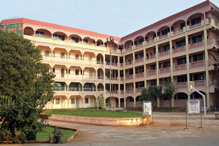 https://cache.careers360.mobi/media/colleges/social-media/media-gallery/6560/2019/5/31/College View of Chaitanya Post Graduate College Hanamkonda_Campus-View.jpg
