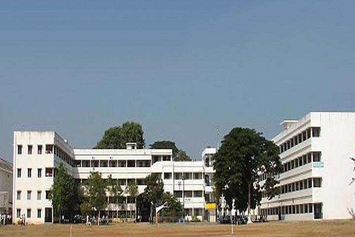 https://cache.careers360.mobi/media/colleges/social-media/media-gallery/6568/2018/9/29/Campus View of Jagarlamudi Kuppuswamy Choudary College Choudaripet_Campus-View.jpg