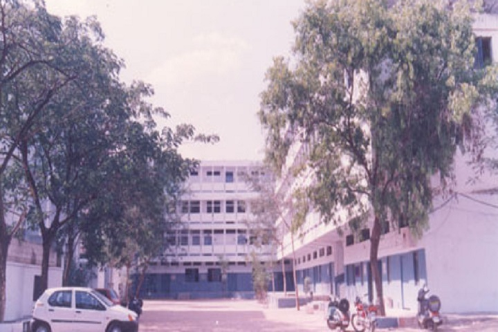 https://cache.careers360.mobi/media/colleges/social-media/media-gallery/6595/2019/6/3/College View of RG Kedia College of Commerce Hyderabad_Campus-View.jpg