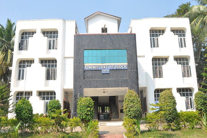 https://cache.careers360.mobi/media/colleges/social-media/media-gallery/6615/2019/6/3/College View of SVKP and Dr KS Raju Arts and Science College Penugonda_Campus-View.jpg