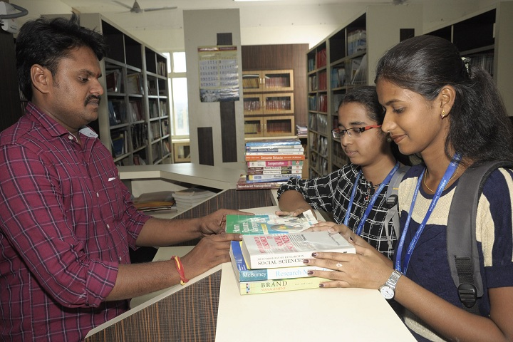 https://cache.careers360.mobi/media/colleges/social-media/media-gallery/6620/2019/6/3/Library of Vaagdevi Degree and PG College Hanamkonda_Library.jpg