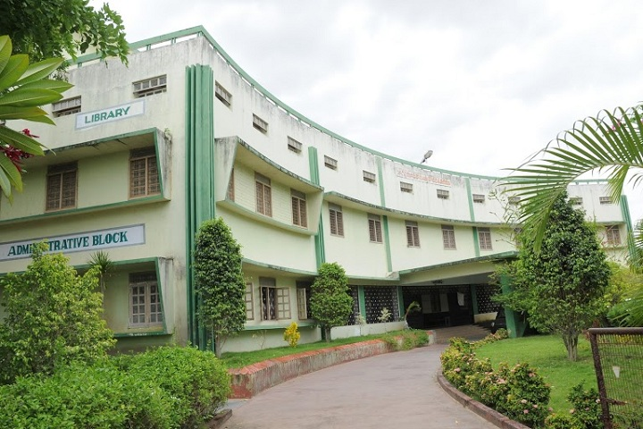https://cache.careers360.mobi/media/colleges/social-media/media-gallery/6624/2019/6/4/College View of VRS and YRN College Chirala_Campus-View.jpg