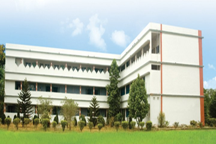 https://cache.careers360.mobi/media/colleges/social-media/media-gallery/6654/2019/3/6/Campus View of Dadhichi College of Pharmacy Cuttack_Campus-View.jpg