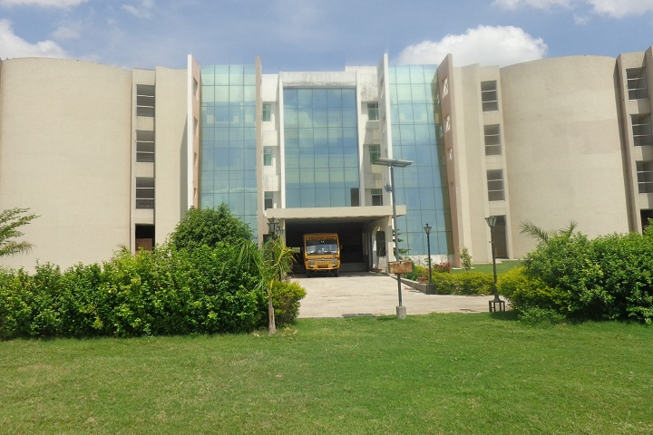 https://cache.careers360.mobi/media/colleges/social-media/media-gallery/6690/2020/9/19/Campus View of CSM Group of Institutions Allahabad_Campus-View_1.jpg