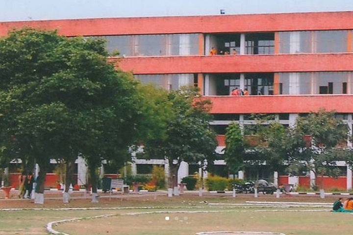 https://cache.careers360.mobi/media/colleges/social-media/media-gallery/6708/2020/11/24/Campus View of Government Polytechnic for Girls Patiala_Campus-View.jpg