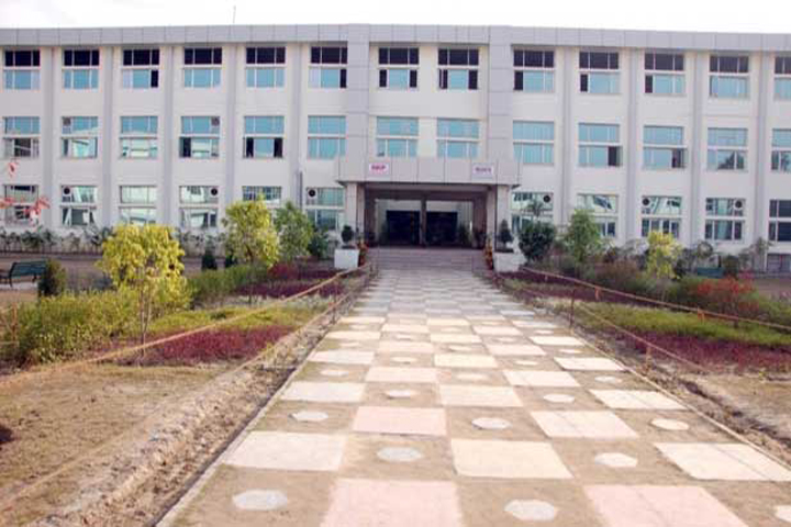 https://cache.careers360.mobi/media/colleges/social-media/media-gallery/6710/2018/10/3/College Building Rayat Bahra Institute of Pharmacy Hoshiarpur_Campus -View.jpg