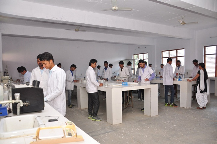 https://cache.careers360.mobi/media/colleges/social-media/media-gallery/6746/2019/3/2/Pharmaceutical Chemistry Lab of Janta College of Pharmacy Butana_Laboratory.jpg