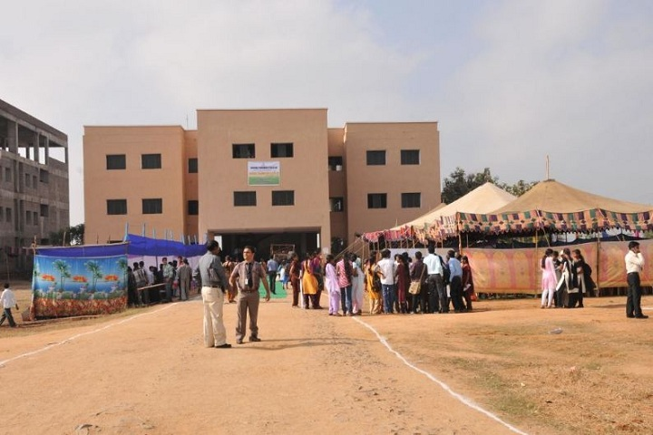 https://cache.careers360.mobi/media/colleges/social-media/media-gallery/6758/2019/3/5/Campus view of Anurag Pharmacy College, Kodad_Campus-view.JPG