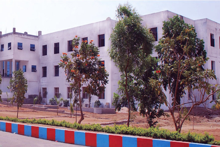 https://cache.careers360.mobi/media/colleges/social-media/media-gallery/6798/2018/10/30/Campus View of Holy Mary Institute of Technology and Science College of Pharmacy Keesara_Campus-View.jpg