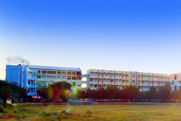 https://cache.careers360.mobi/media/colleges/social-media/media-gallery/6829/2019/3/13/Campus View of MLR Institute of Pharmacy Dundigal_Campus-View.jpg