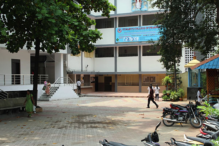 https://cache.careers360.mobi/media/colleges/social-media/media-gallery/6883/2019/3/4/College of St Marys College of Pharmacy Secunderabad_campus-view.jpg